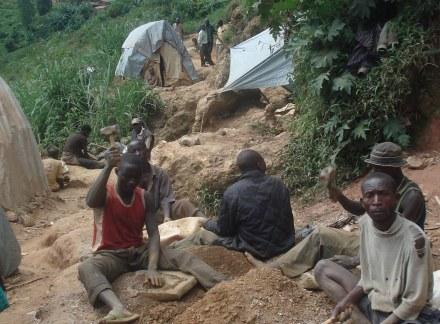 05 Wollschlaeger Minen Handarbeit